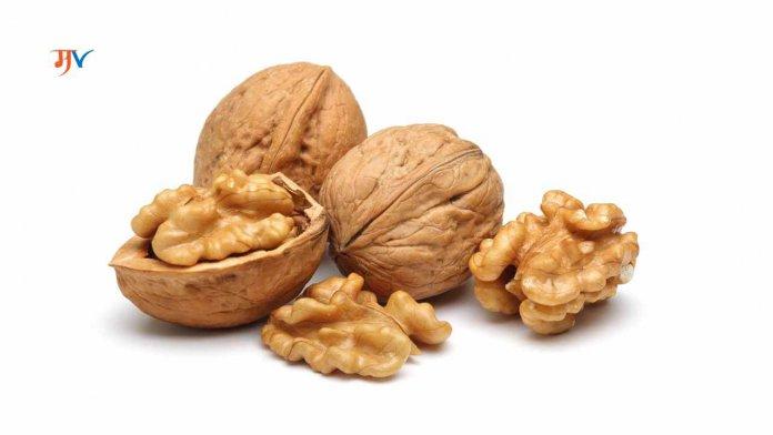 Benefits of eating Walnut/Akroad in Marathi