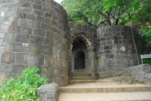Shivneri fort Information in Marathi