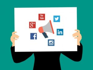Advantages and Disadvantages of Social Media in Marathi